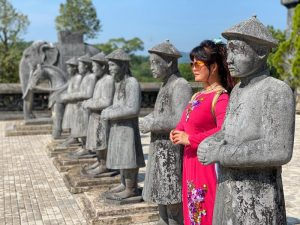 Hue City Group Tour- Deluxe Group Tour- Best Hue City Tour