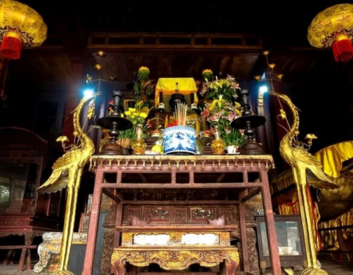 Hon Chen Temple Hue- Best Hue City Tour Travel
